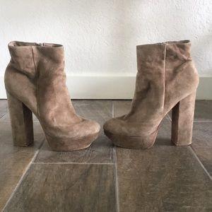 Dulce vita sued grey heeled boot